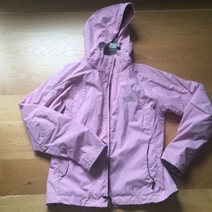 The north face woman windproof/rain jacket. Size M